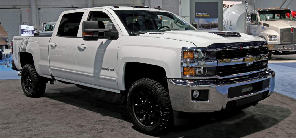 top 2017 heavy duty trucks autoversed. Black Bedroom Furniture Sets. Home Design Ideas