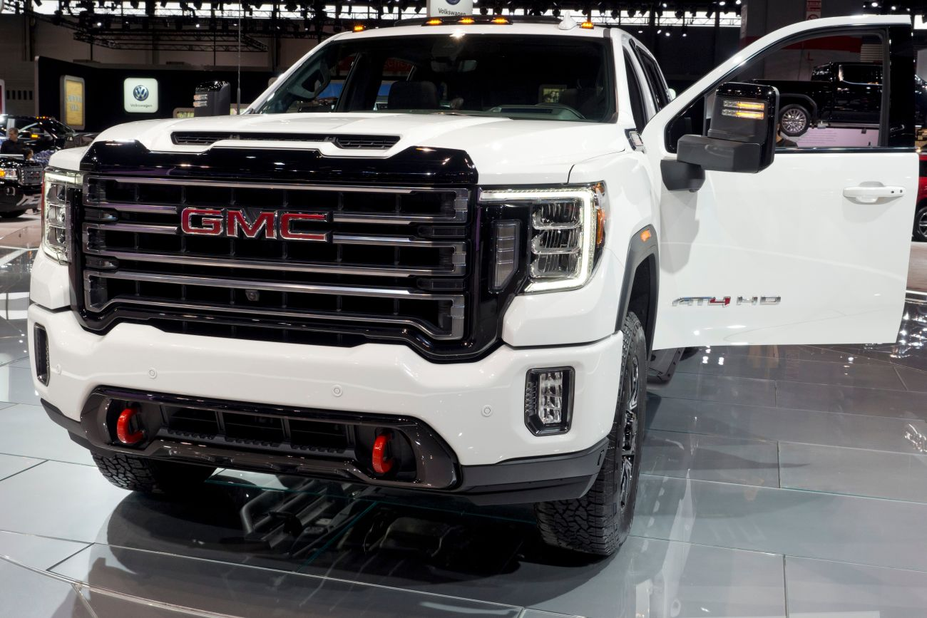 Inside Look at the 2020 GMC Sierra - Autoversed