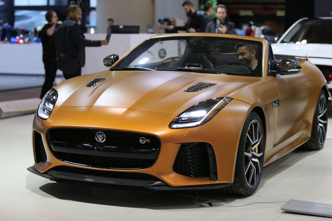 Inside the 2020 Jaguar F-Type - Autoversed