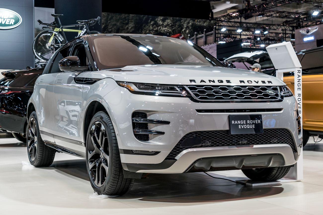 inside the 2019 range rover evoque autoversed. Black Bedroom Furniture Sets. Home Design Ideas