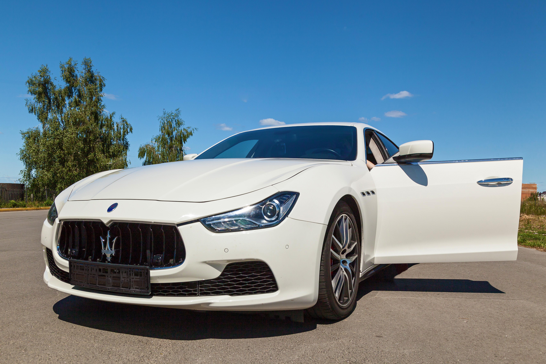 Inside The 2019 Maserati Ghibli , Autoversed
