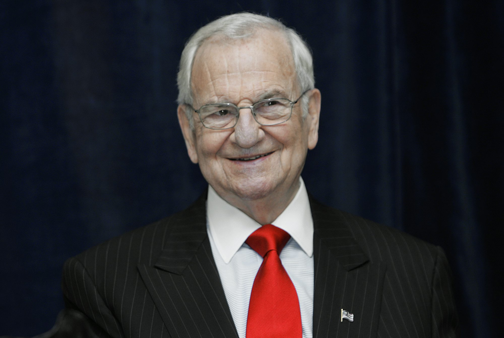 Lee Iacocca Mustang >> Legendary Auto Executive Lee Iacocca Dies At Age 94 ...