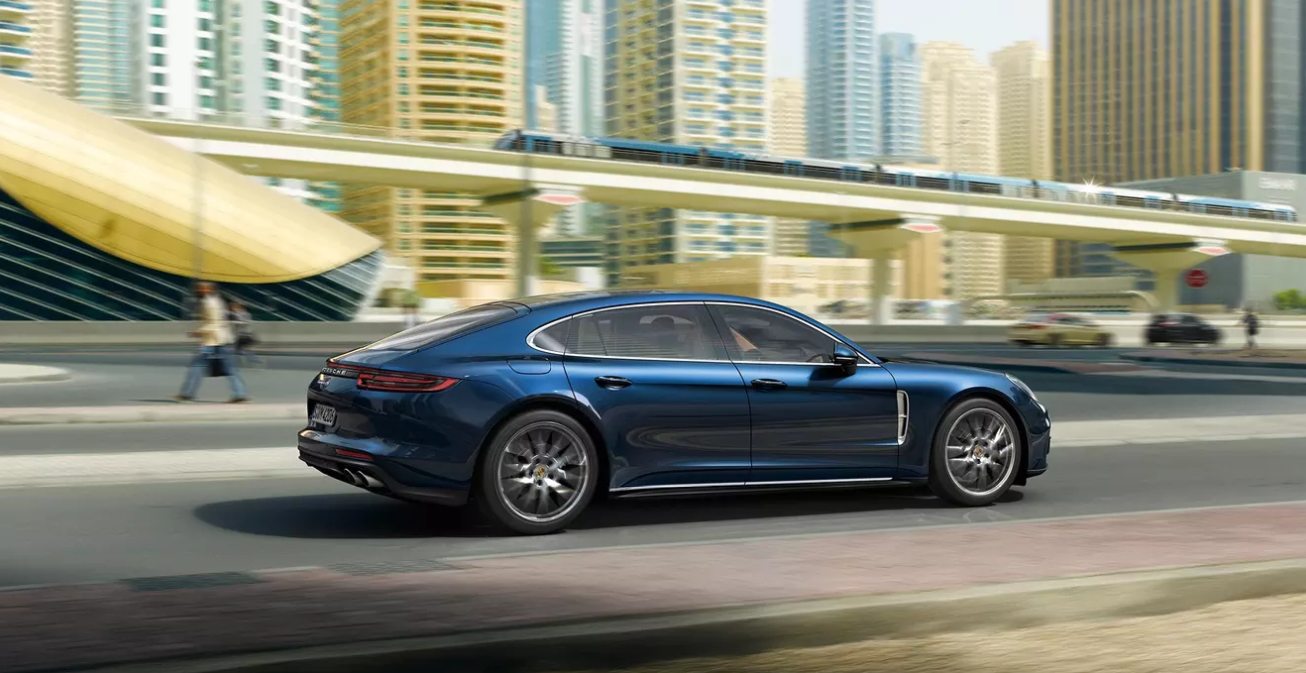 Inside The 2020 Porsche Panamera Can Four Door Sports Cars Keep Up Autoversed