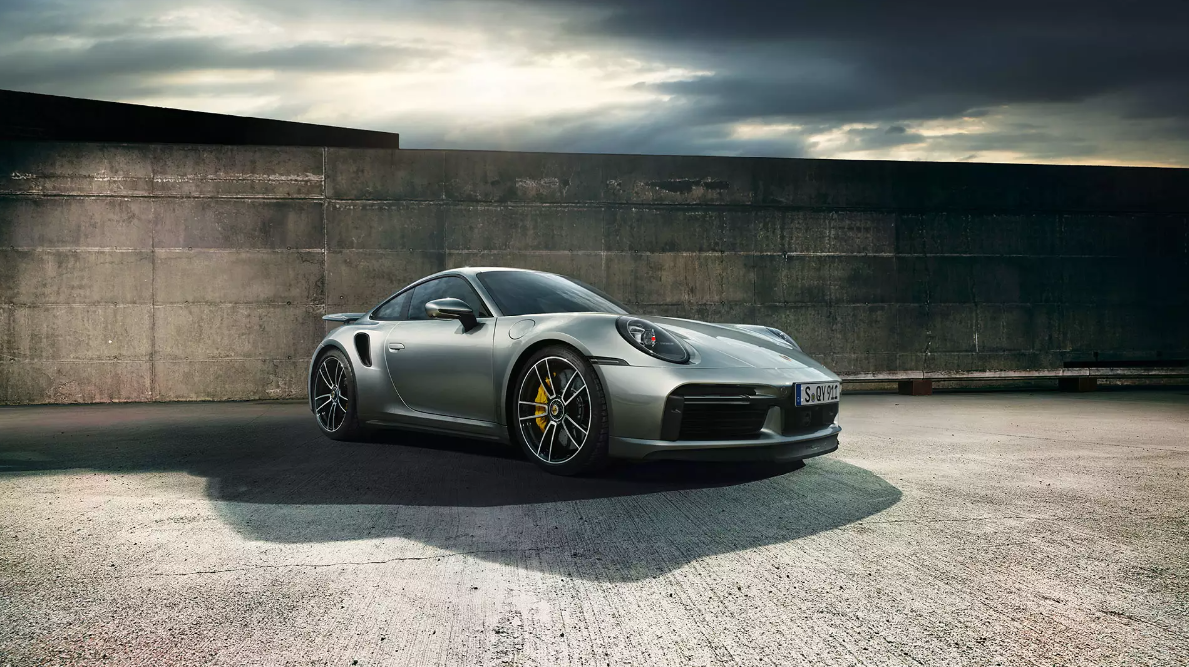 Inside The 2021 Porsche 911 Turbo S The Style Of New Tradition Autoversed