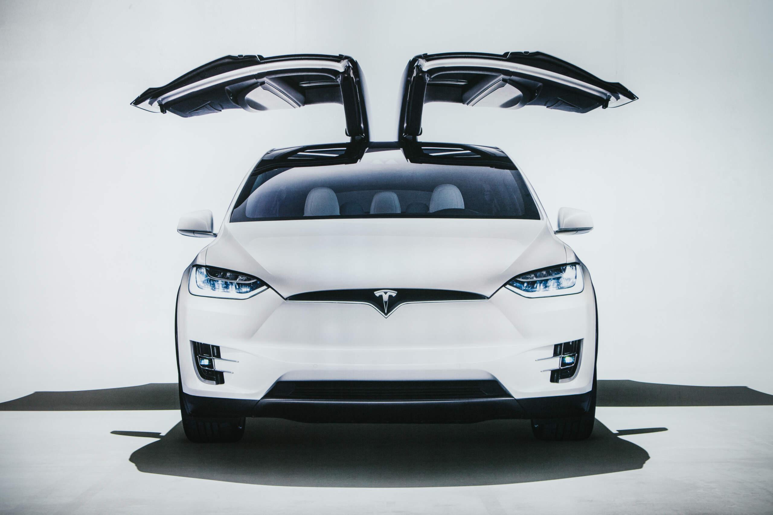 Tesla Recalls 9,500 Vehicles Over Faulty Roofs